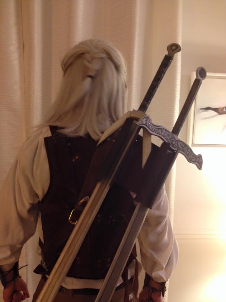 patine sur accessoire (épées), décoration en trompe l'oeil